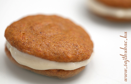pumpkin_whoopie_pie